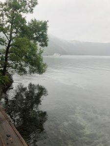 曇天の十和田湖